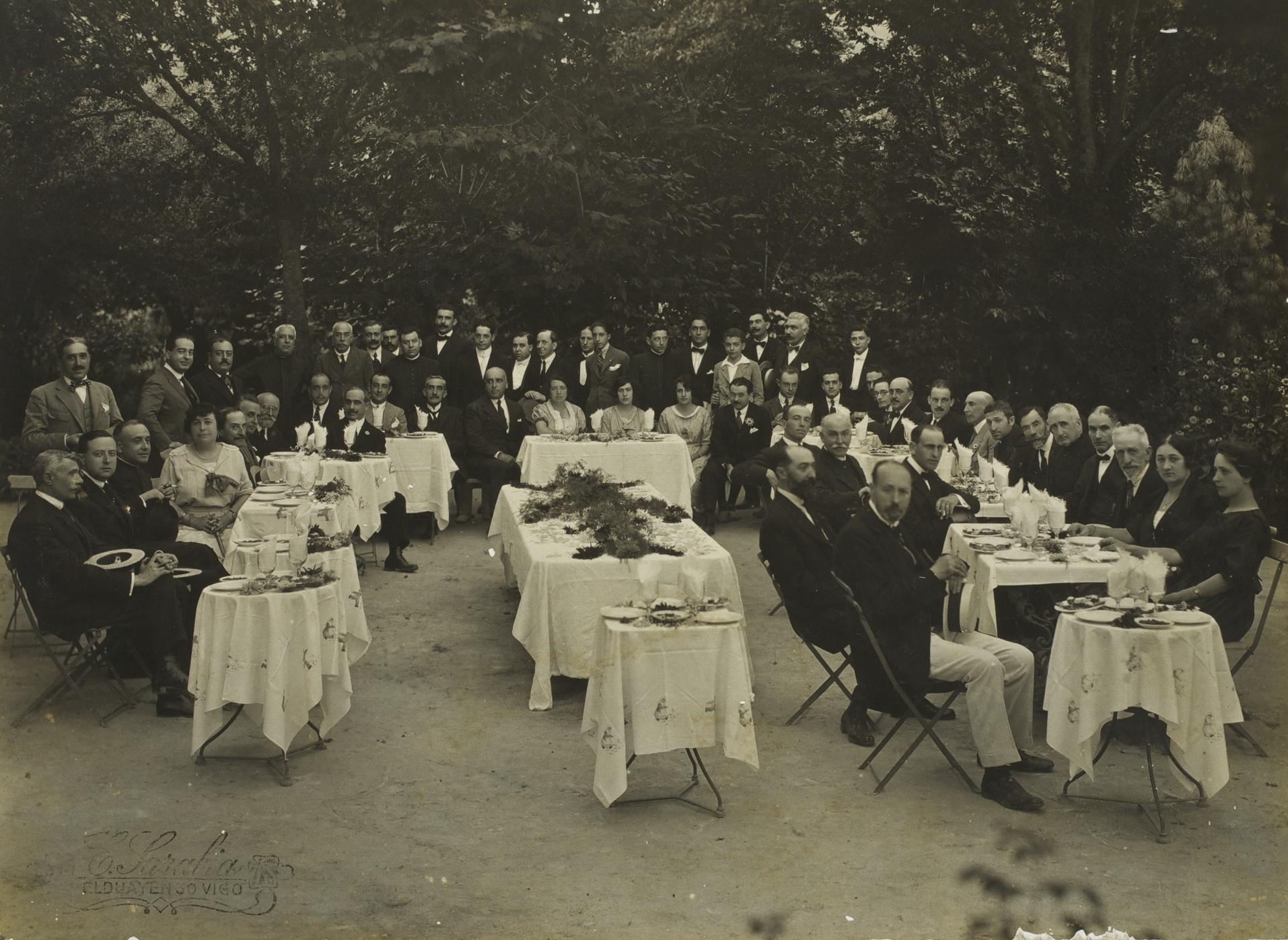 Real Academia en Mondariz en 1920.